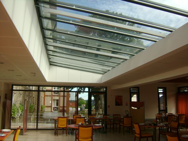 slide_refectoire-maison-de-retraite-9